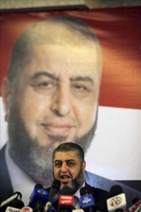 Fotografía de archivo fechada el 9 de abril del aspirante a la presidencia de los Hermanos Musulmanes, Jairat al Shater, ahora excluido de los comicios. EFE/Archivo