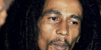 Fotografía sin fecha en la que se registró al músico jamaicano Bob Marley, fallecido hace más de 30 años, de quien se estrenará esta semana un documental biográfico. EFE/Archivo