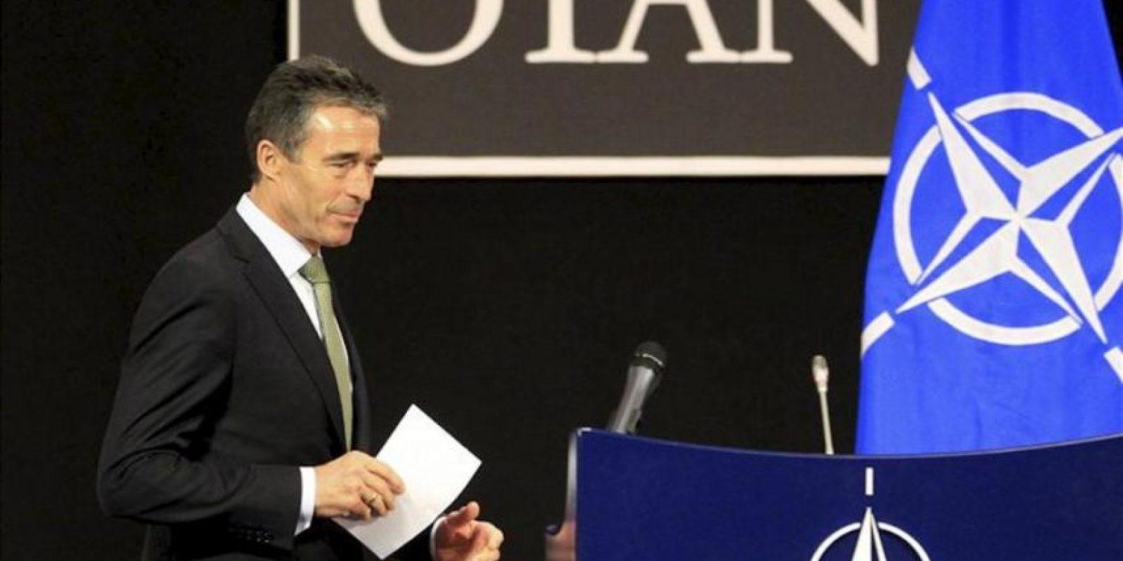 El secretario general de la OTAN, Anders Fogh Rasmussen, llega a una rueda de prensa en Bruselas, Bélgica, hoy, jueves 19 de abril de 2012. EFE
