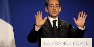 El presidente galo y candidato a las elecciones , Nicolas Sarkozy, ofrece un discurso durante un mitin electoral en Saint Maurice (Francia). EFE
