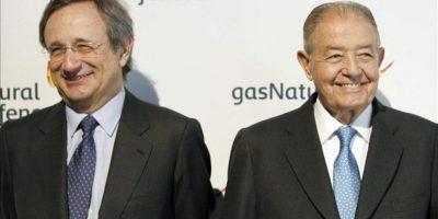 El presidente de Gas Natural Fenosa, Salvador Gabarró (d), junto al consejero delegado, Roger Vilaseca (i), durante la rueda de prensa hoy, 20 de abril de 2012, previa a la Junta General de Accionistas de la compañía. EFE