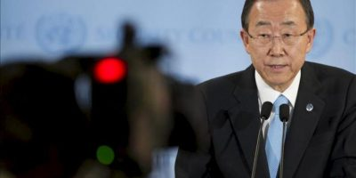 Fotografía cedida por la ONU que muestra al secretario general de ese organismo, Ban Ki-moon, em una conferencia de prensa en Nueva York, ayer jueves 19 de abril. EFE