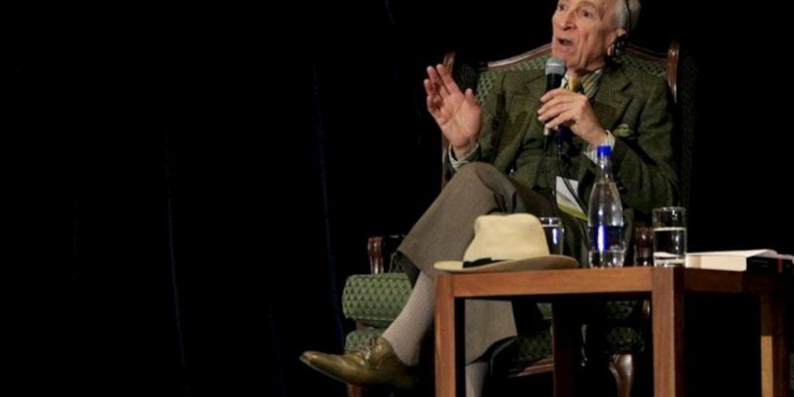El periodista estadounidense Gay Talese, padre del Nuevo Periodismo junto a Tom Wolfe, habla durante una charla en el marco de la 25 Feria Internacional del Libro de Bogotá (Colombia). EFE