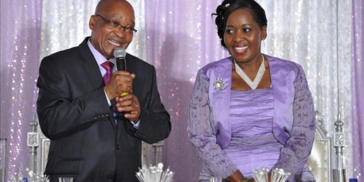 El polígamo presidente de Sudáfrica se casa con una cuarta esposa