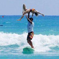 Con acrobacias Foto:oddee.com