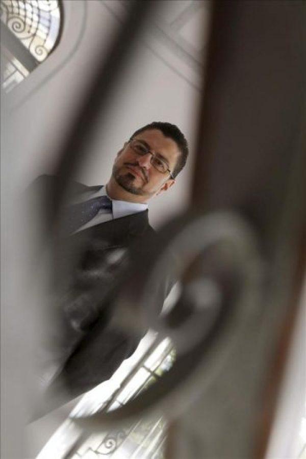 El director para la Reducción de la Pobreza y Gestión Económica para América Latina y el Caribe del Banco Mundial, Rodrigo A.Cháves, posa antes de una entrevista que concedió a la Agencia EFE en Madrid. EFE