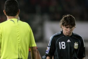 Tras la derrota contra Chile, en Santiago, por las eliminatorias a Suráfrica 2010. Foto:AFP