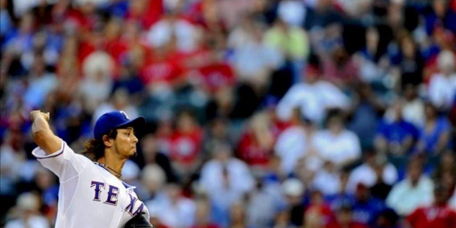 El abridor de Vigilantes Yu Darvish lanza una bola durante un partido ante Yanquis por la MLB en el Rangers Ballpark de Arlington, Texas (EE.UU.). EFE