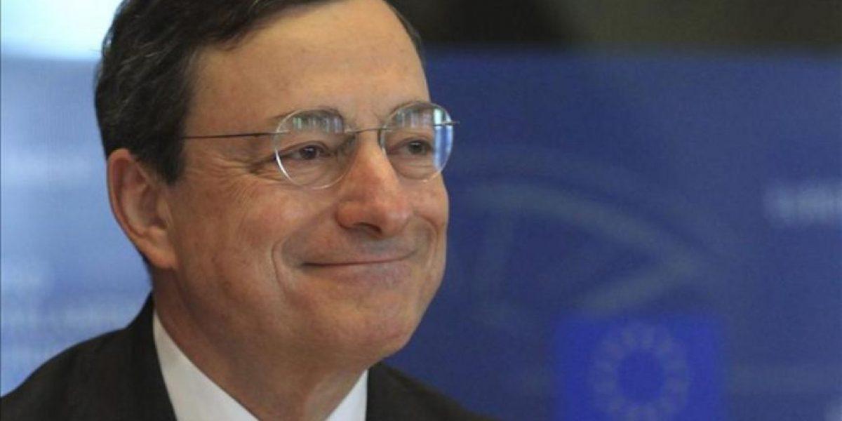 Draghi alaba los ajustes en España, pero rechaza comprar deuda