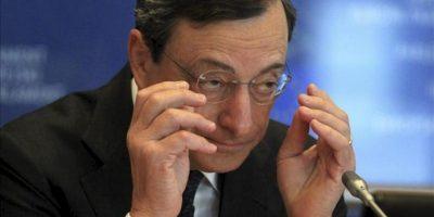 El presidente del Banco Central Europeo, Mario Draghi, comparece hoy ante la Comisión de Asuntos Monetarios y Económicos del Parlamento Europeo, en Bruselas, Bélgica. EFE