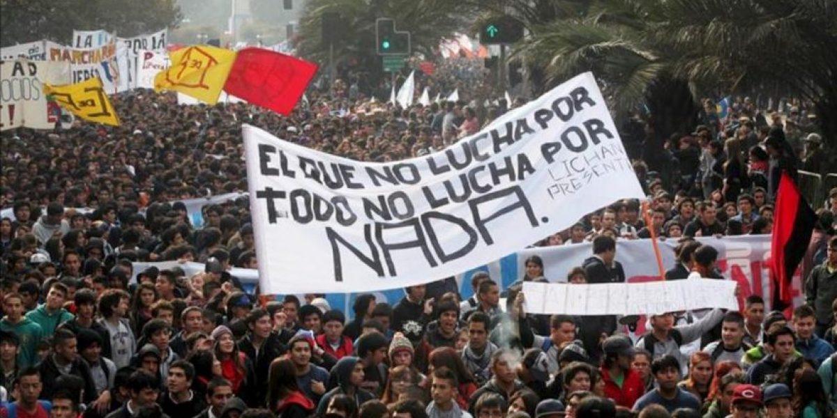 Estudiantes vuelven a la calle y Piñera anuncia una reforma destinada a la educación