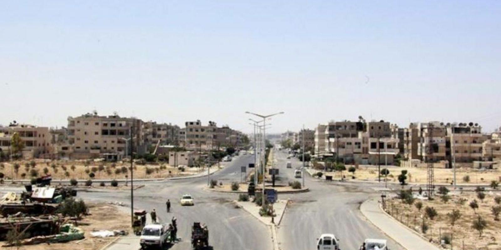 Al menos una docena personas murieron hoy en un bombardeo de las fuerzas del régimen sirio contra un barrio de la ciudad central de Hama, que causó además la destrucción de más de una veintena de viviendas, denunciaron grupos opositores. EFE/Archivo