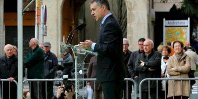 El presidente del PNV, Iñigo Urkullu, durante su intervención en un acto político celebrado en Eibar con motivo del 75 aniversario del bombardeo de Gernika. EFE