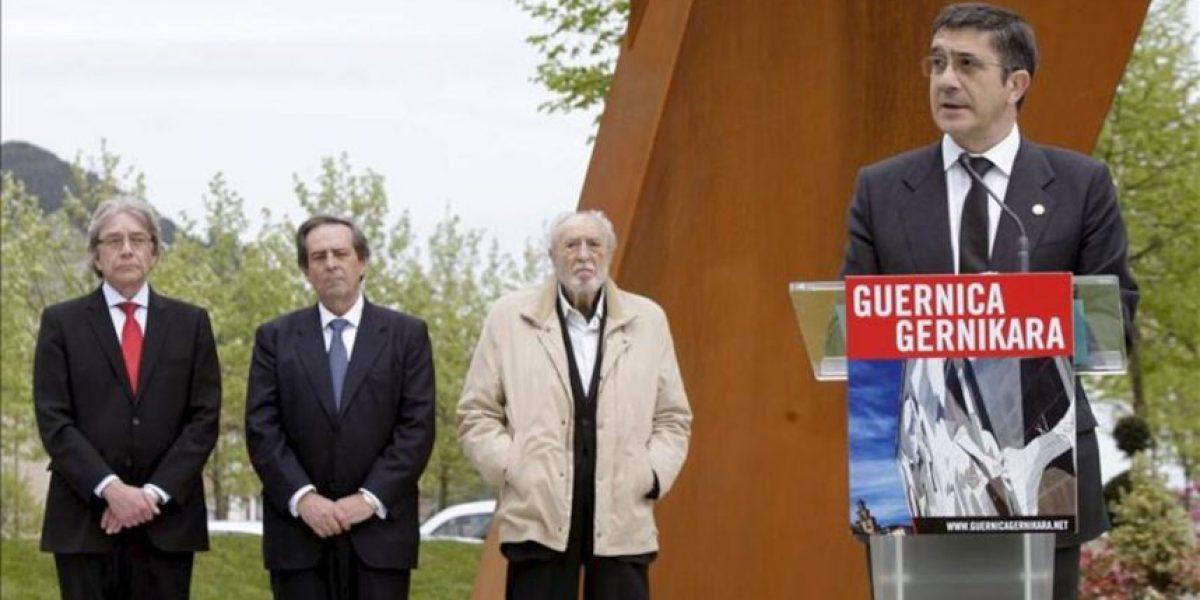 Patxi López dice que el Gernika debe servir para