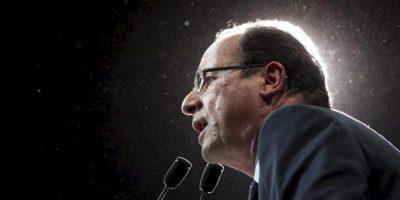 El candidato socialista a la presidencia de Francia, François Hollande, se dirige a sus simpatizantes durante un acto electoral en Limoges, Francia. EFE