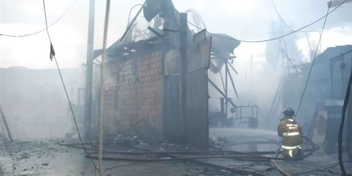 [Fotos] Incendio de bodega de reciclaje en Meissen