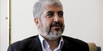 El jefe político de Hamás, Jaled Meshaal, se reúne hoy con el secretario general de la Liga Árabe, Nabil Alaraby (no fotografiado), en la sede de la Liga Árabe en El Cairo (Egipto). EFE