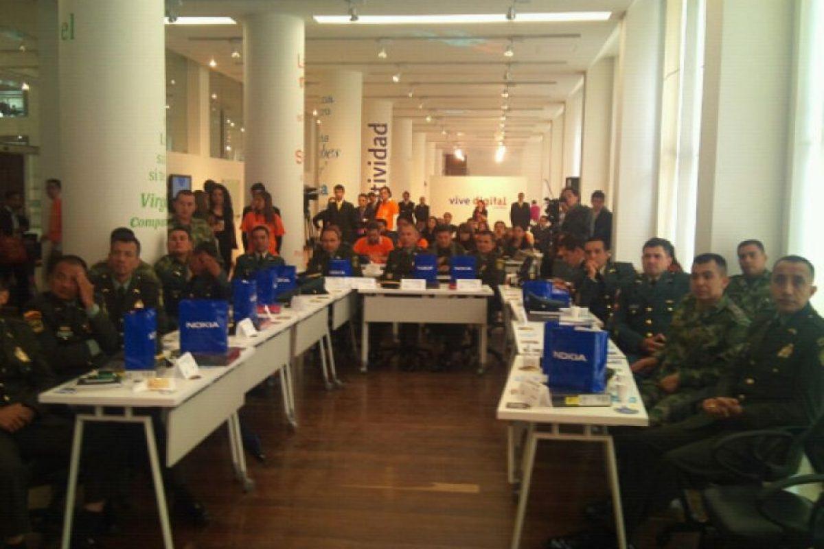 Empresas donaron equipos: Los miembros de la fuerza pública salieron con tablets, celulares y otros dispositivos