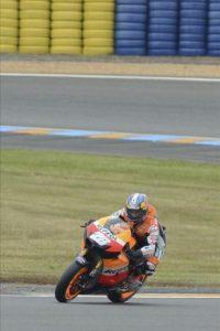 El español Dani Pedrosa, de Repsol Honda, durante la sesión de calificación del Gran Premio de Francia de MotoGP, en Le Mans, Francia. EFE