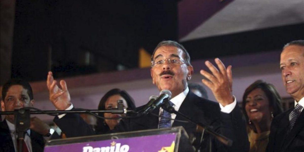 El candidato oficialista dominicano, Danilo Medina, espera los datos oficiales para celebrar su triunfo