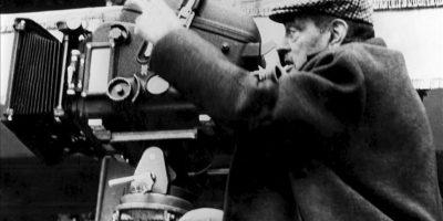 """Fotografía de archivo fechada el 20 de marzo de 1970, en Toledo, del cineasta español Luis Buñuel durante el rodaje de su película """"Tristana"""". EFE/Archivo"""