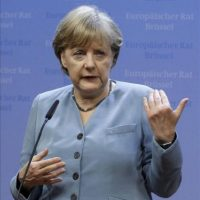 La canciller alemana, Angela Merkel, habla en una conferencia de prensa tras el Consejo Europeo informal celebrado en Bruselas, Bélgica. EFE