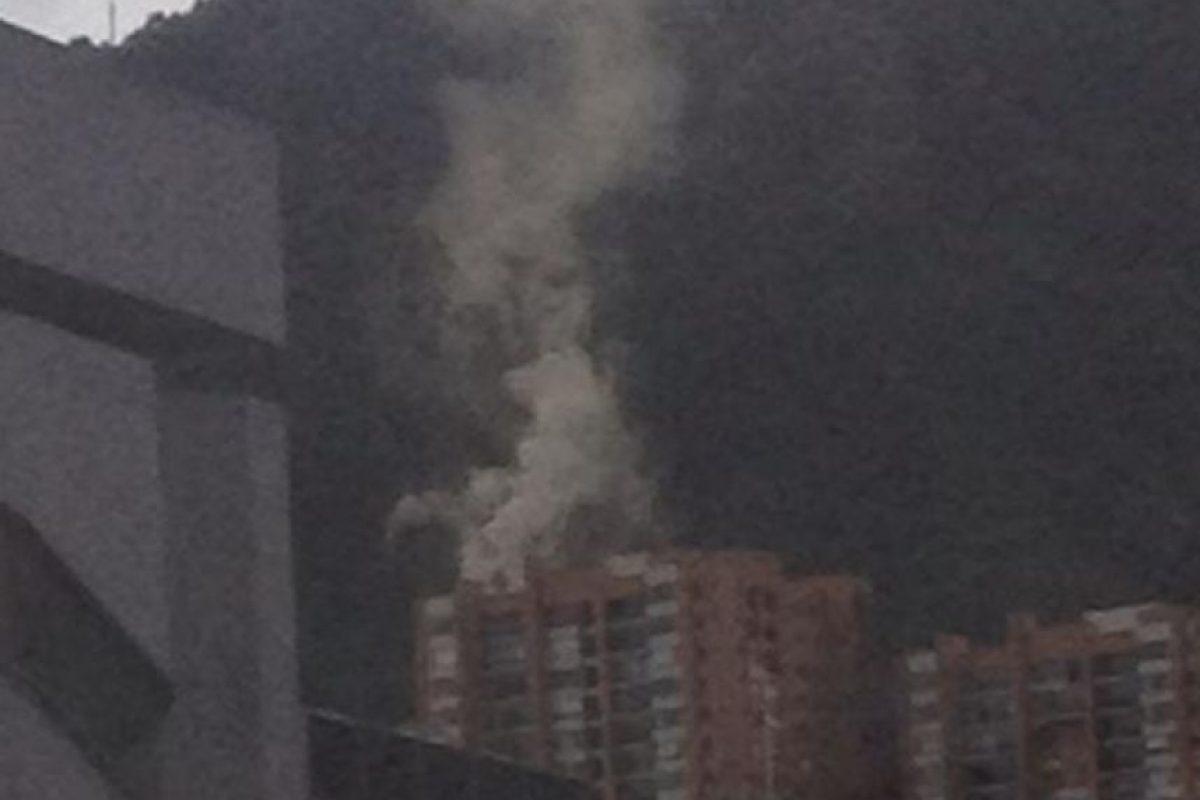 El usuario @manotas_oficial informó de un incendio en la 60 con 4