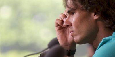 El tenista español Rafael Nadal comparece ante los medios en el estadio Roland Garros en París, Francia. EFE