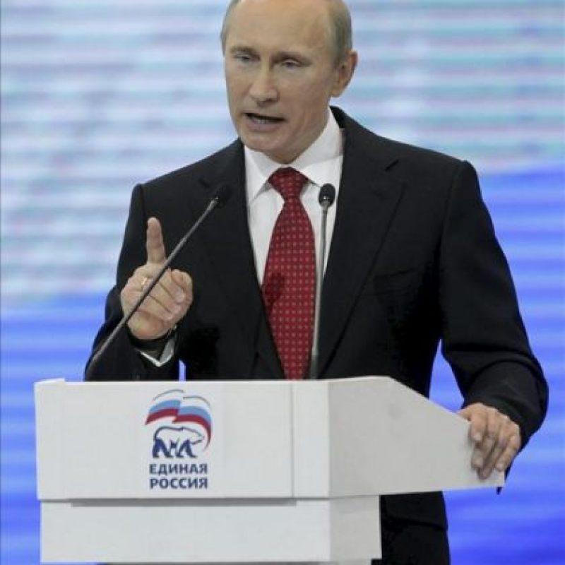 El presidente ruso, Vladimir Putin, ofrece un discurso en el congreso federal del partido oficialista Rusia Unida (RU) en Moscú (Rusia) hoy, sábado 26 de mayo de 2012. EFE