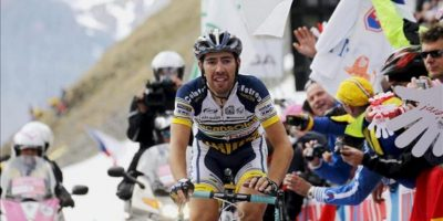 El ciclista belga Thomas De Gendt, del equipo Vacansoleil DMC, llega el primero a la meta de la etapa número 20 del Giro de Italia en Val di Sole (Italia). EFE