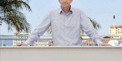 """El director de cine ucraniano Sergei Loznitsa posa ayer con motivo de la presentación de su película """"V Tumane"""" (En la Niebla) en la sección oficial del Festival de Cine de Cannes. EFE"""