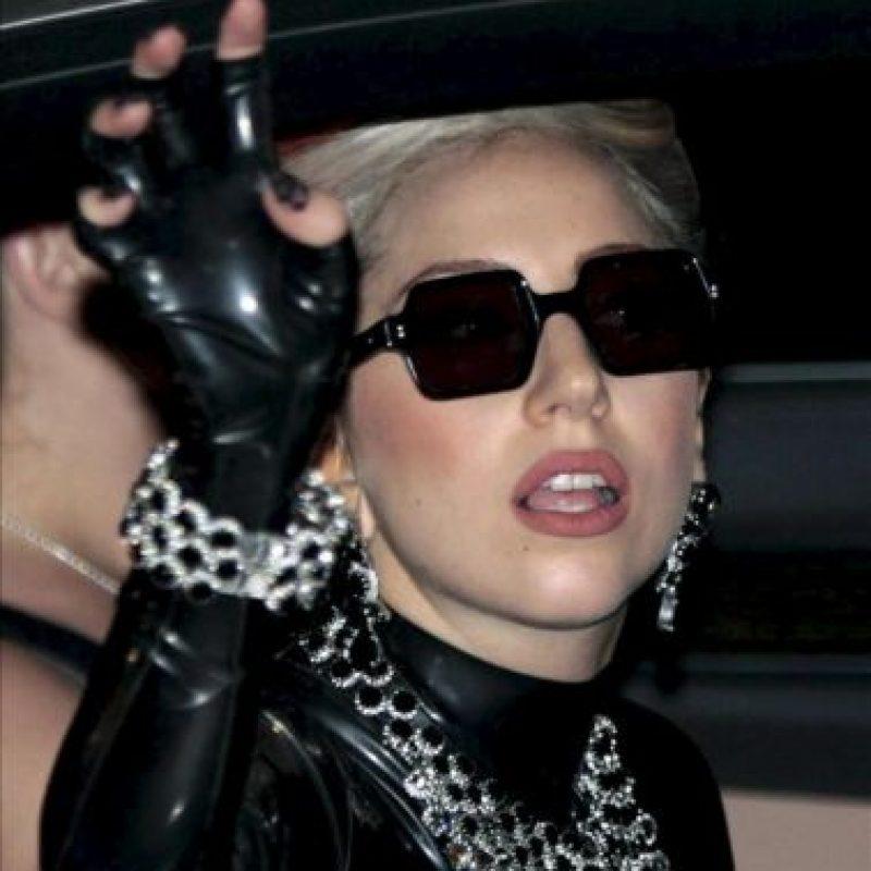Fotografía de este 23 de mayo de 2012 de la cantante estadounidense Lady Gaga a su llegada a la ciudad de Bangkok, Tailandia. EFE