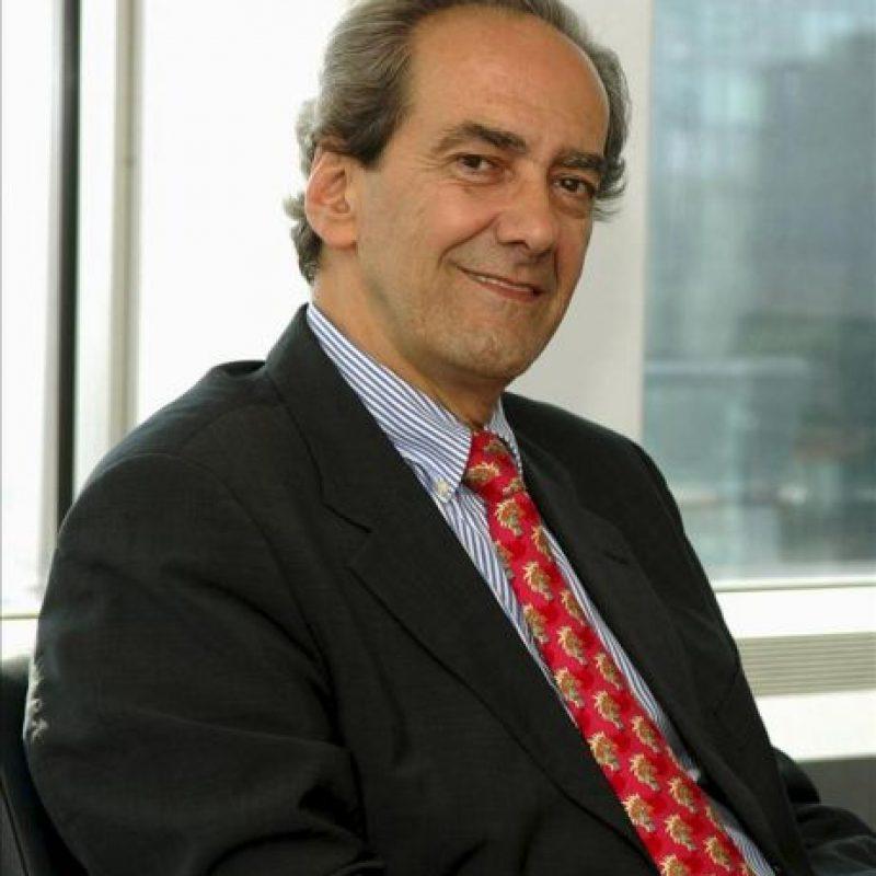 El miembro del comité ejecutivo del Banco Central Europeo (BCE), José Manuel González-Páramo, en la sede de la entidad monetaria en Fráncfort, momentos antes de la entrevista con EFE. EFE/Arantxa Iñiguez
