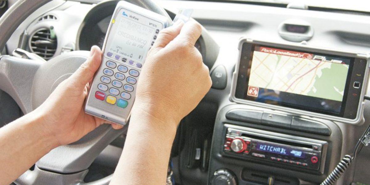 Taxistas se ponen a tono con lo último en tecnología