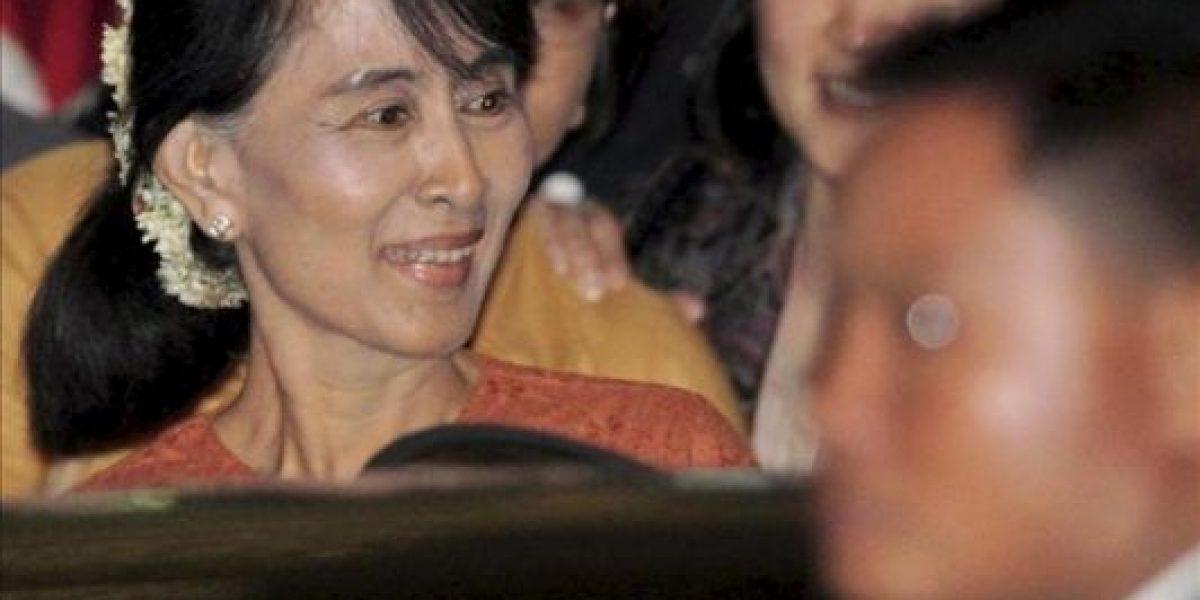 Suu Kyi cruzó por primera vez en 24 años las fronteras de Birmania