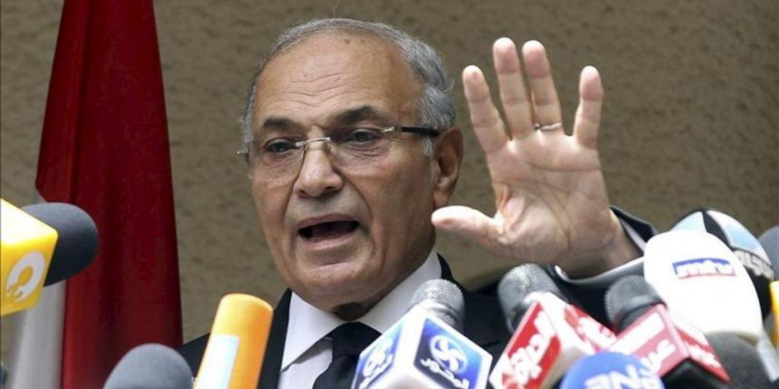 El candidato presidencial egipcio Ahmed Shafiq, en una rueda de prensa en El Cairo (Egipto). EFE/Archivo
