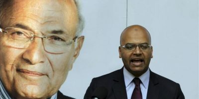 Un portavoz del candidato presidencial Ahmed Shafiq, ofrece una rueda de prensa en El Cairo (Egipto). EFE