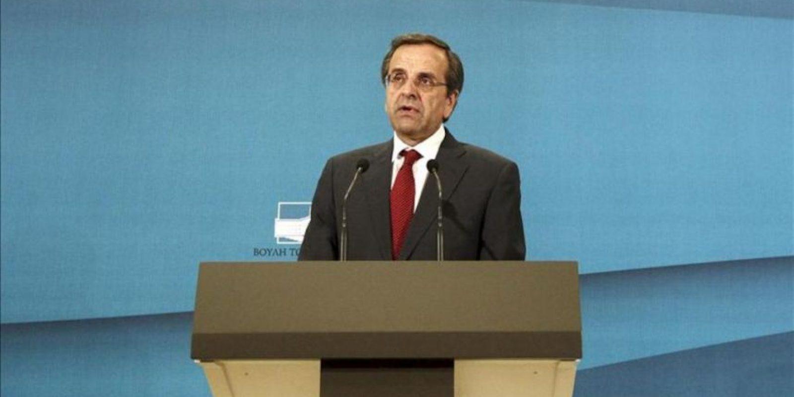 El líder de la conservadora Nueva Democracia, Andonis Samarás, comparece en una rueda de prensa en Atenas, Grecia. EFE