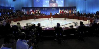 Imagen general hoy , 18 de junio de 2012 de los líderes participantes en la Cumbre G20 en el Centro Internacional de Convenciones G20 de la ciudad de Los Cabos en el mexicano estado de Baja Califronia. EFE