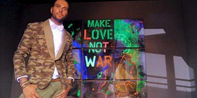 """Un modelo luce un diseño de la firma """"Mason's Jeans"""" durante el primer día de la Semana Internacional de la Moda Masculina en Florencia, conocida bajo el nombre de """"Pitti Immagine Uomo"""", (Italia). EFE"""