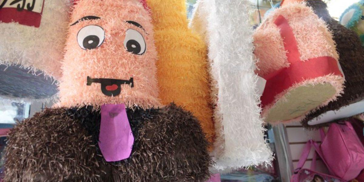Las piñatas más WTF en Bogotá