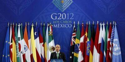 El presidente de México, Felipe Calderón habla hoy , 19 de junio de 2012 durante una rueda de prensa final tras su participación en la Reunión cumbre de Mandatarios de los países miembros del Grupo de los Veinte (G20) que concluye hoy en Los Cabos, noroeste de México.EFE