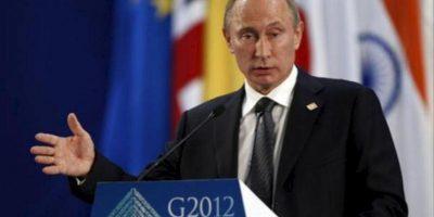 El Presidente de Rusia Vladimir Putin habla hoy , 19 de junio de 2012 durante una rueda de prensa final tras su participación en la Reunión cumbre de Mandatarios de los países miembros del Grupo de los Veinte (G20) que concluye hoy en Los Cabos, noroeste de México.EFE