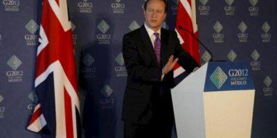 El primer ministro britanico David Cameron habla hoy , 19 de junio de 2012 durante una rueda de prensa final tras su participación en la Reunión cumbre de Mandatarios de los países miembros del Grupo de los Veinte (G20) que concluye hoy en Los Cabos, noroeste de México. EFE