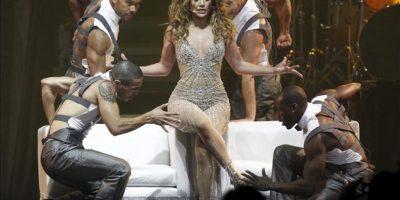 """La actriz y cantante estadounidense Jennifer Lopez se presenta en concierto en el Movistar Arena de Santiago de Chile (Chile). La cantante presenta su espectáculo """"Dance Again"""" como parte de su gira mundial que la llevará también a Brasil y Argentina. EFE"""
