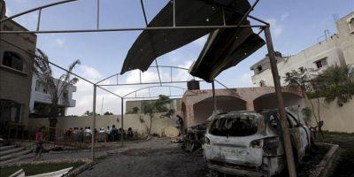 Daños causados en un recinto de Hamás después de un ataque de la aviación israelí en el norte de la franja de Gaza, hoy, miércoles 20 de junio de 2012. En los últimos días se ha recrudecido la violencia en y entorno a Gaza, con continuos disparos de cohetes por parte de milicias palestinas -entre ellas la de Hamás- contra Israel, y bombardeos de la Fuerza Aérea israelí en la franja. EFE