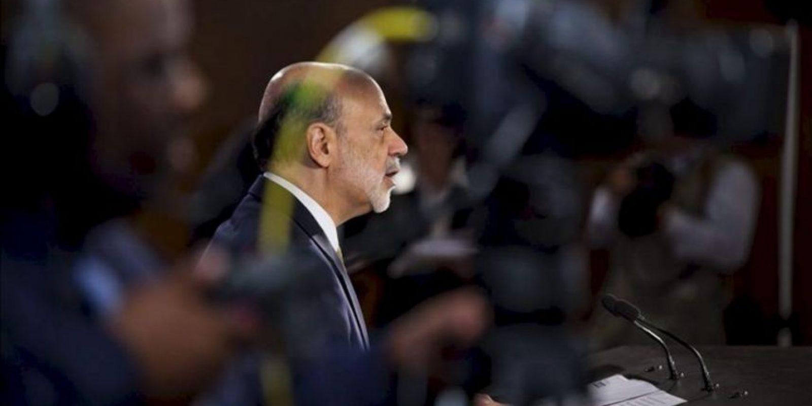 El presidente de la Reserva Federal estadounidense (Fed), Ben Bernanke, se dispone a ofrecer una rueda de prensa en la sede del organismo en Washington DC, Estados Unidos. EFE