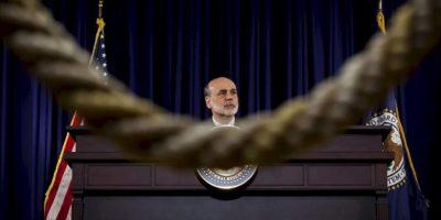 El presidente de la Reserva Federal estadounidense (Fed), Ben Bernanke, ofrece una rueda de prensa en la sede del organismo en Washington DC, Estados Unidos. EFE