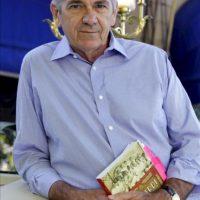 """El escritor estadounidense Tom Gjelten presenta en España su libro """"Bacardi y la larga lucha por Cuba"""", en el que hace un recorrido por la historia contemporánea de Cuba a través de la saga familiar de los Bacardi, de los que afirmó hoy, en una entrevista con la Agencia Efe en Madrid, que """"han desempeñado un papel clave en la mayor parte de los acontecimientos ocurridos"""" en la isla desde el siglo XIX. EFE"""