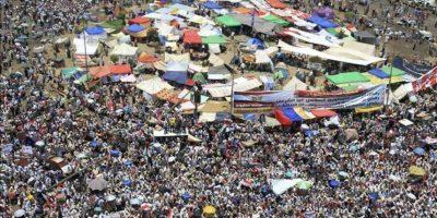 Vista general de la protesta convocada en la plaza cairota de Tahrir para rechazar las recientes enmiendas constitucionales adoptadas por la Junta Militar, hoy, viernes 22 de junio. EFE